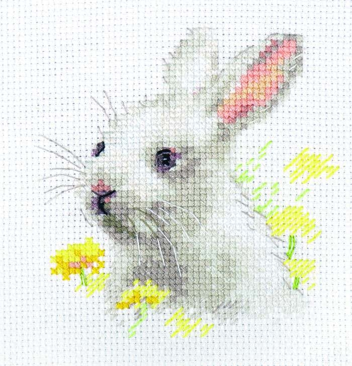 0-226 Белый крольчонок