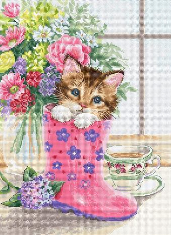 B2390 Симпатичный котёнок