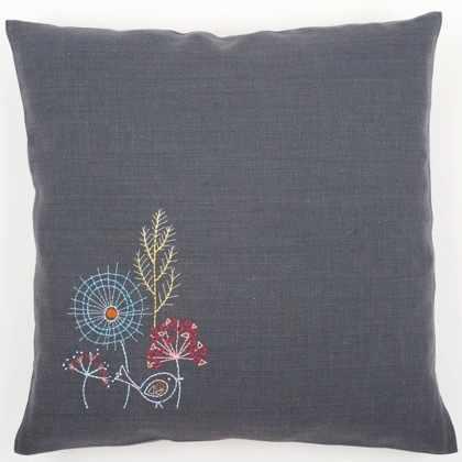 PN-0156055 Embroidery cushion (Vervaco)