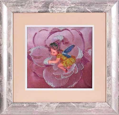 В1049 Ангелочек в цветке - рисунок на атласе (Alisena)