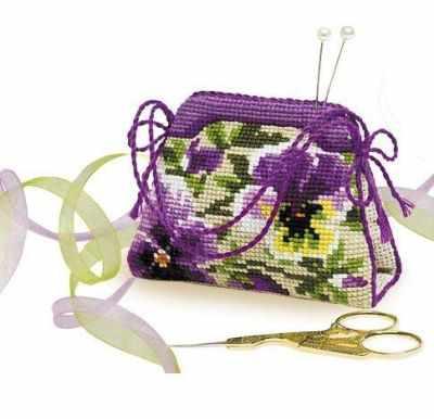Набор для вышивания Риолис (Сотвори Сама) 1039 Игольница-сумочка «Анютины глазки»