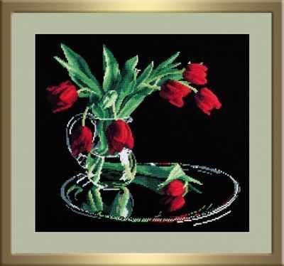 318 Тюльпаны на чёрном