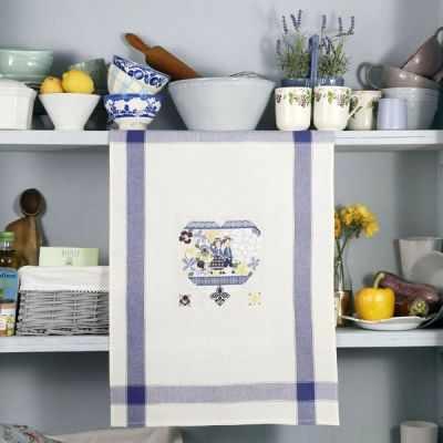 TCPA/DIM Полотенце «Весеннее сердечко» (ПВ) - Наборы для вышивания «Парижские Вышивальщицы»