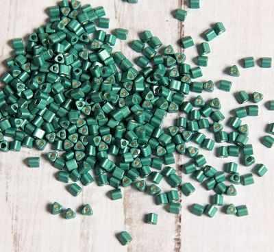 Фото - Бисер TOHO №0561F светло-зеленый/матовый/металлик 11/0 TRIANGLE №5 2.2 мм ластик треугольный зеленый