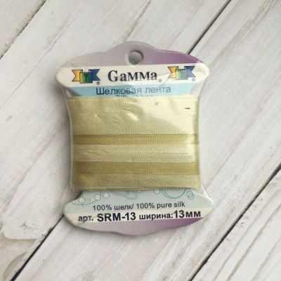 Ленты Gamma SRM-13 Лента декоративная Gamma шелковая M024 серо-зеленый/зеленый ленты gamma srm 13 лента декоративная gamma шелковая m108 зеленый св коричневый