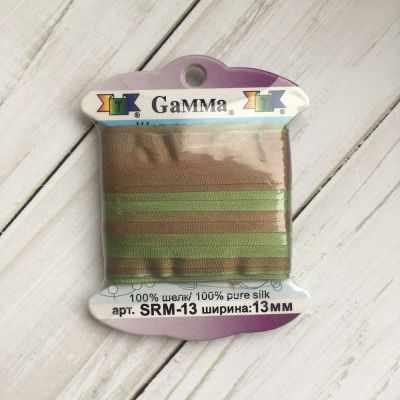 Ленты Gamma SRM-13 Лента декоративная Gamma шелковая M108 зеленый/св.коричневый ленты gamma srm 13 лента декоративная gamma шелковая m108 зеленый св коричневый