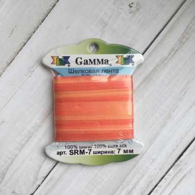 Ленты Gamma SRM-7 7 Лента декоративная Gamma шелковая M106 коралловый/оранжевый ленты gamma srm 7 7 лента декоративная gamma шелковая m136 яр оранжевый коричневый