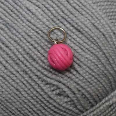 Аксессуар для вязания Arapova A. Маркеры для вязания. Клубок розовый