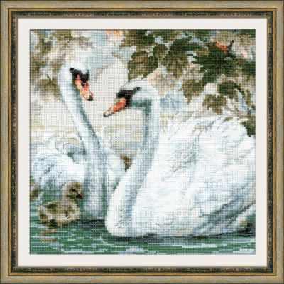 1726  Белые лебеди  - Наборы для вышивания «Риолис»