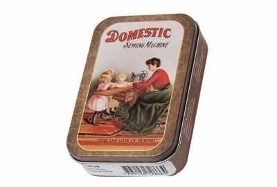 Аксессуар для рукоделия HEMLINE PT.700.DB-1 Набор дорожный в жестяной коробочке Винтажная коллекция дорожный набор в косметичке topicrem um face