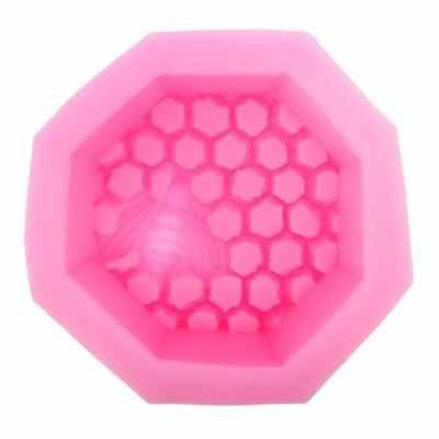 1578464 Форма силиконовая для творчества  Пчела на сотах  - Товары для мыловарения