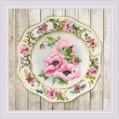 РТ0075  Тарелка с розовыми маками. Гладь  - Наборы для вышивания «Риолис»