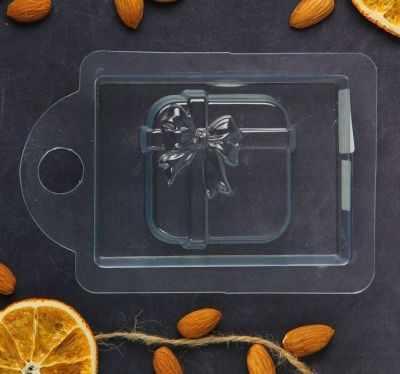 2334323 Пластиковая форма для мыла Коробка с подарками
