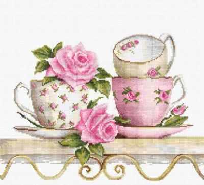 B2327 Чайные чашки с розами