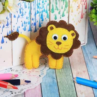 Набор для изготовления изделий из фетра Школа талантов 2391195 Набор для создания игрушки из фетра