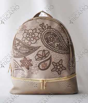 Набор для вышивания VIRENA Рюкзак-016 Набор для вышивания на рюкзаке. Бежевое золото. Орнамент