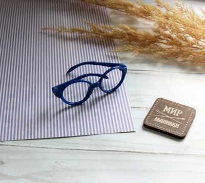 Заготовки и материалы для изготовления игрушки Pugovka Doll Очки пластик круглые, синий