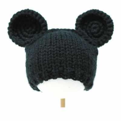 Фото #1: Вязанная шапочка для куклы. Черная с ушками