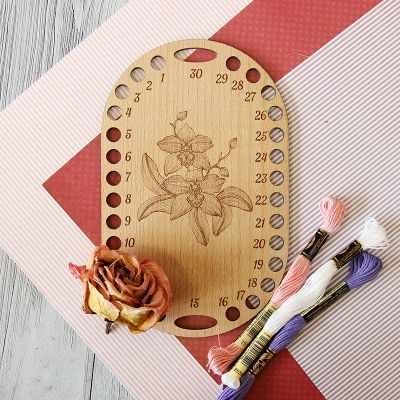 Органайзер Березка Органайзер для ниток Овал с цветком, бук