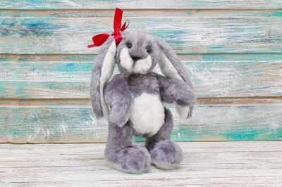 Набор для изготовления игрушки HappyMade Ш022 Набор для шитья из меха Зайка Адель