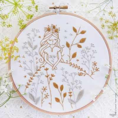 Набор для вышивания Tamar Nahir-Yanai T-014 Gold & Gray Princess (Золотая и серая принцессы)
