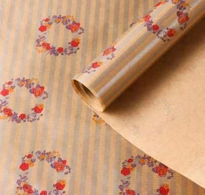 Фото - Бумага для упаковки подарков - 4820663 Бумага упаковочная крафт Венки из цветов бумага для упаковки подарков stillera gkp 01 крафт бумага 03 дамаск