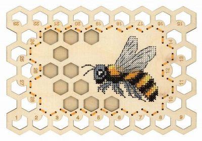Набор для вышивания МП Студия О-025 Органайзер «Пчела»