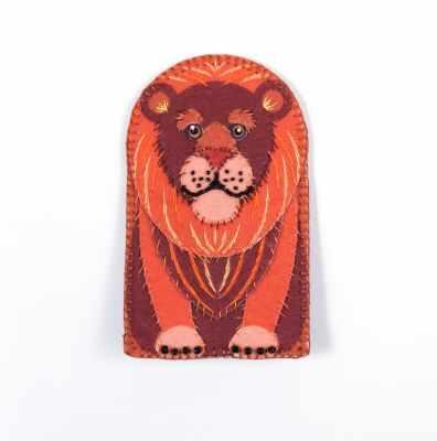 8367 Чехол для телефона Король лев - набор вышивания (МП)